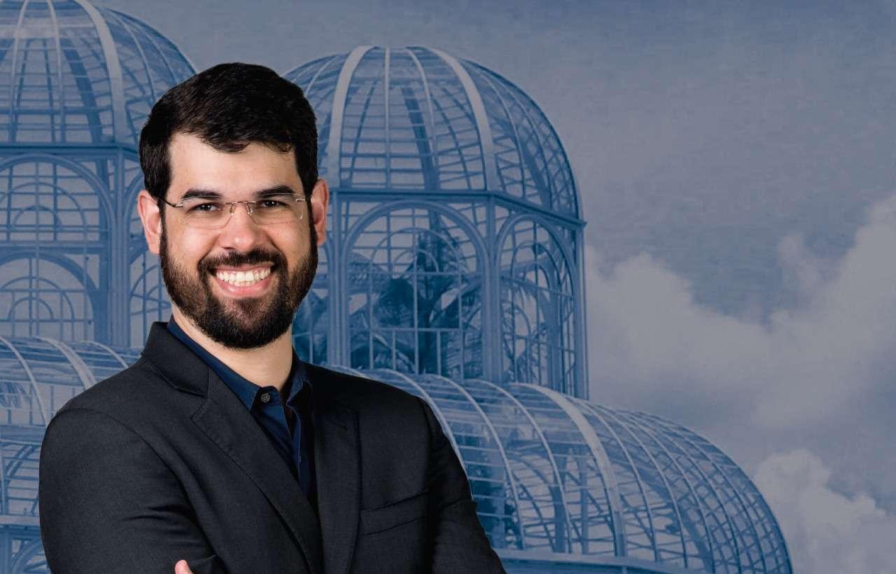 Master Trainer de Hipnose ministra curso em Curitiba