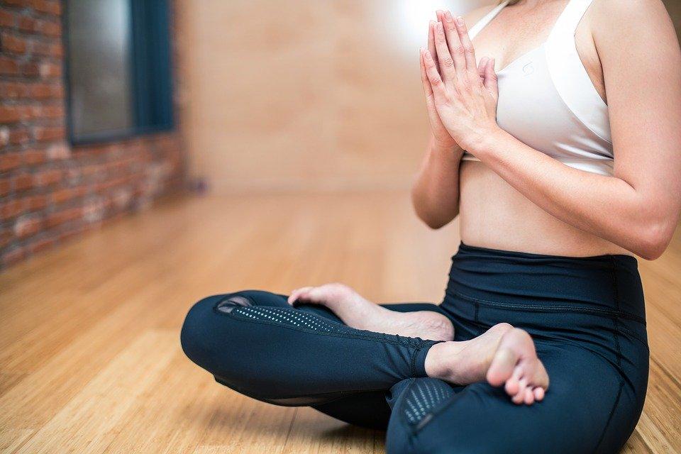 Como a meditação pode ajudar os grupos de risco do Covid-19